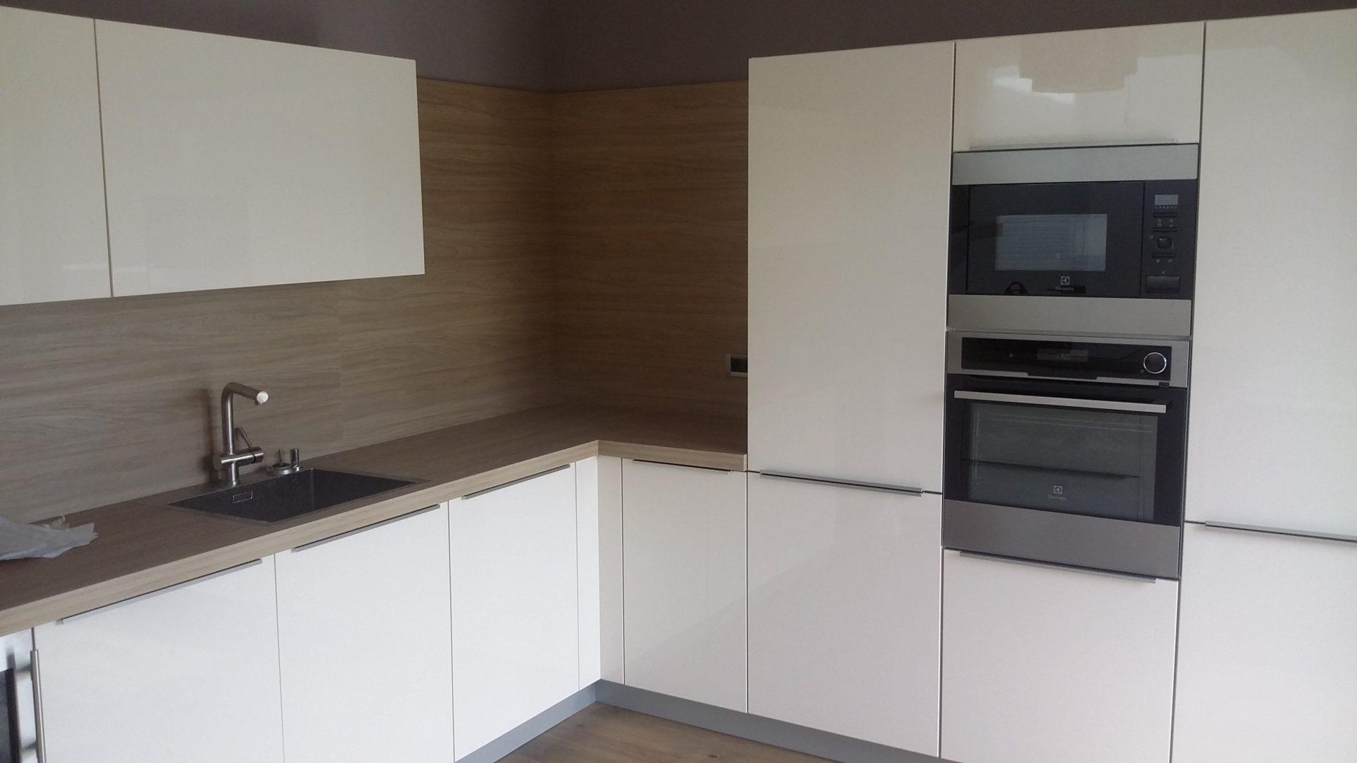 Izdelava in montaža kuhinj za prefinjeno funkcionalnost 10
