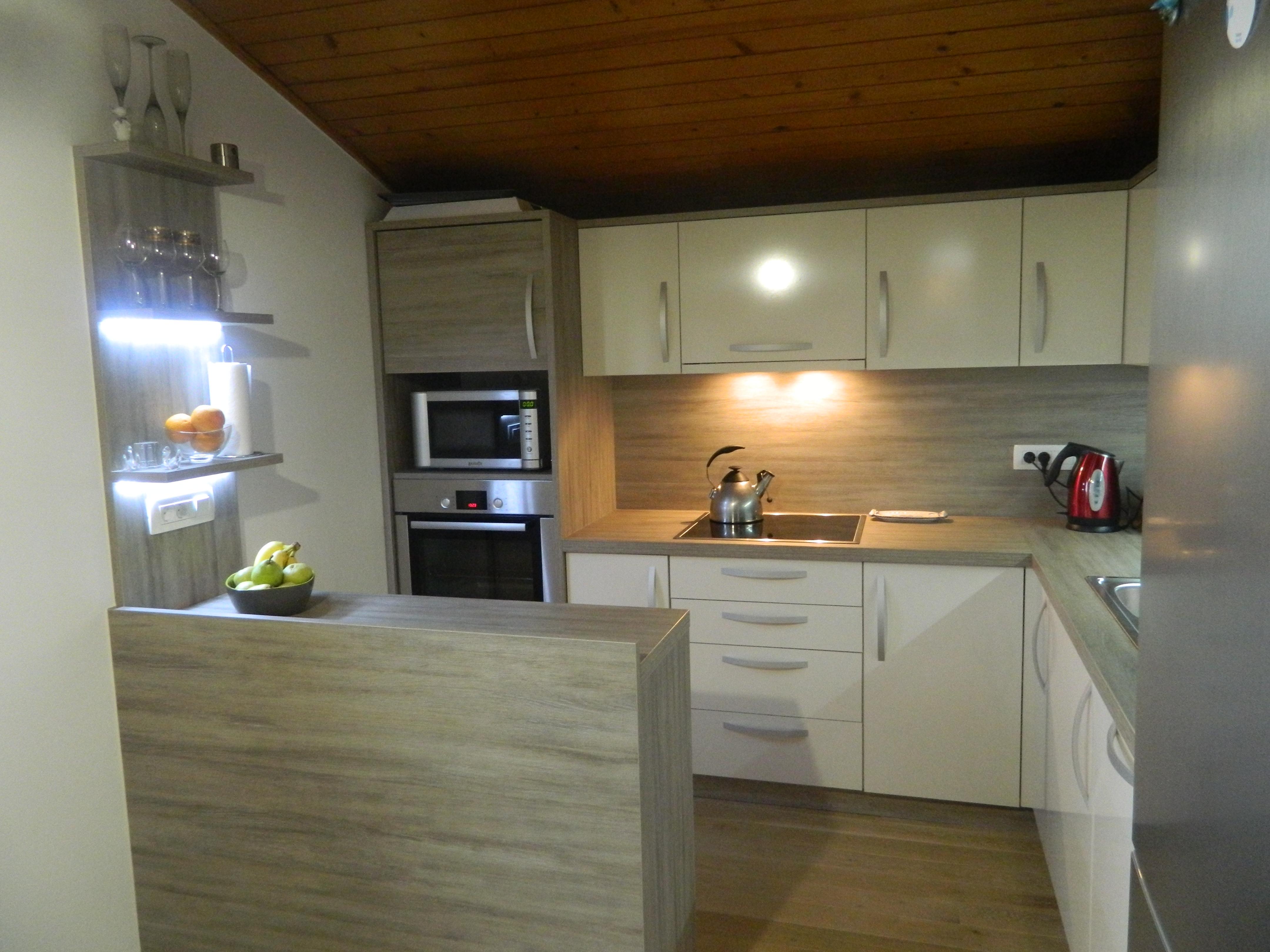 Izdelava in montaža kuhinj za prefinjeno funkcionalnost 20