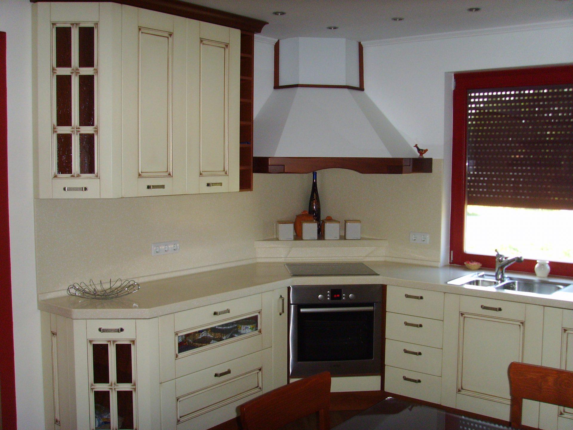 Izdelava in montaža kuhinj za prefinjeno funkcionalnost 27