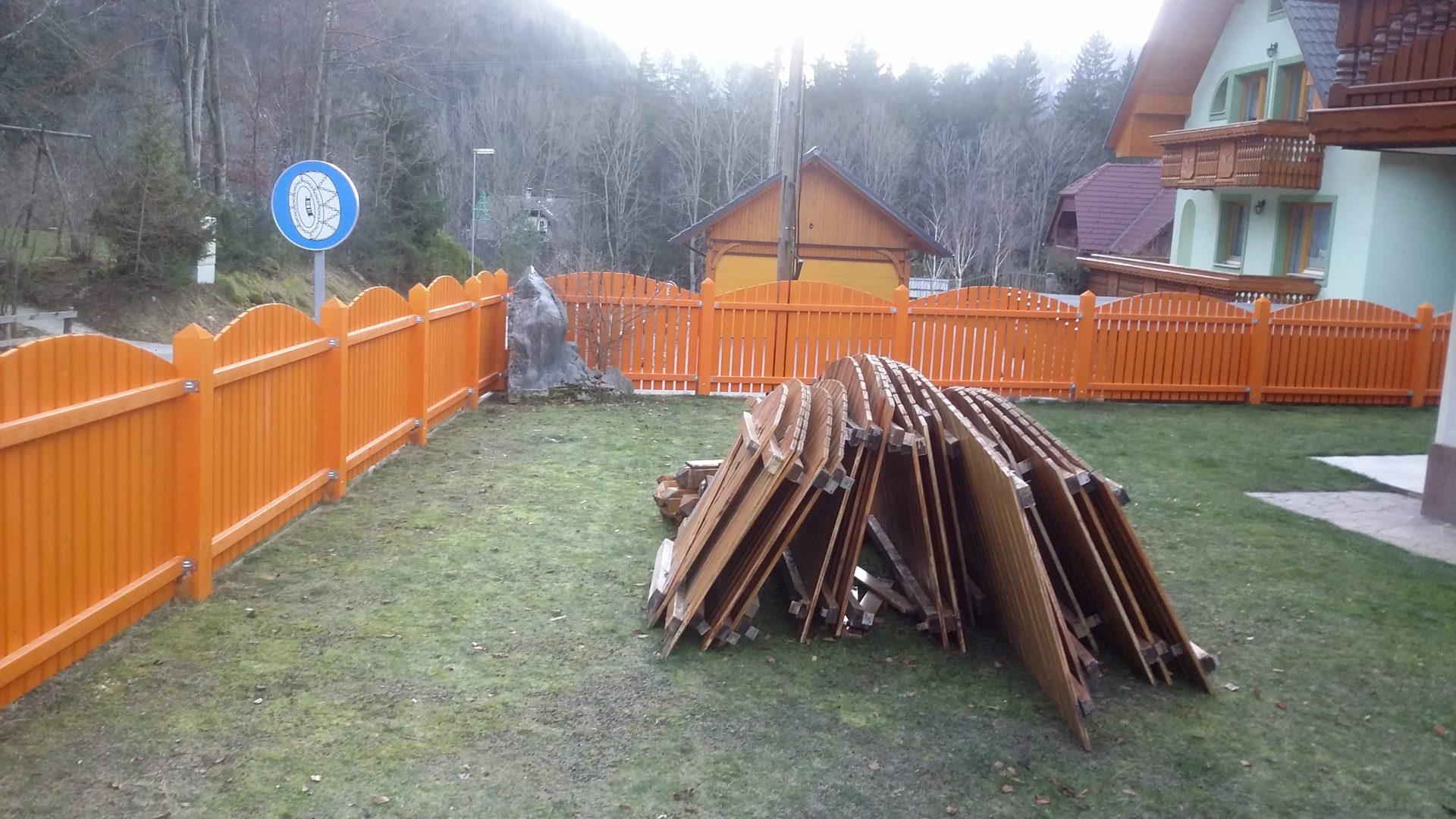 Lesene ograje za zunaj ali notranjost 1