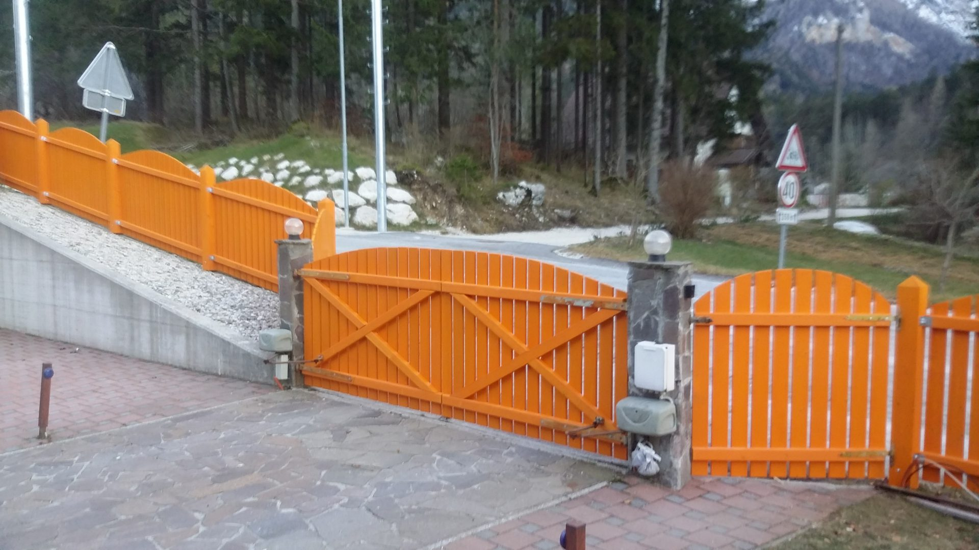 Lesene ograje za zunaj ali notranjost 2