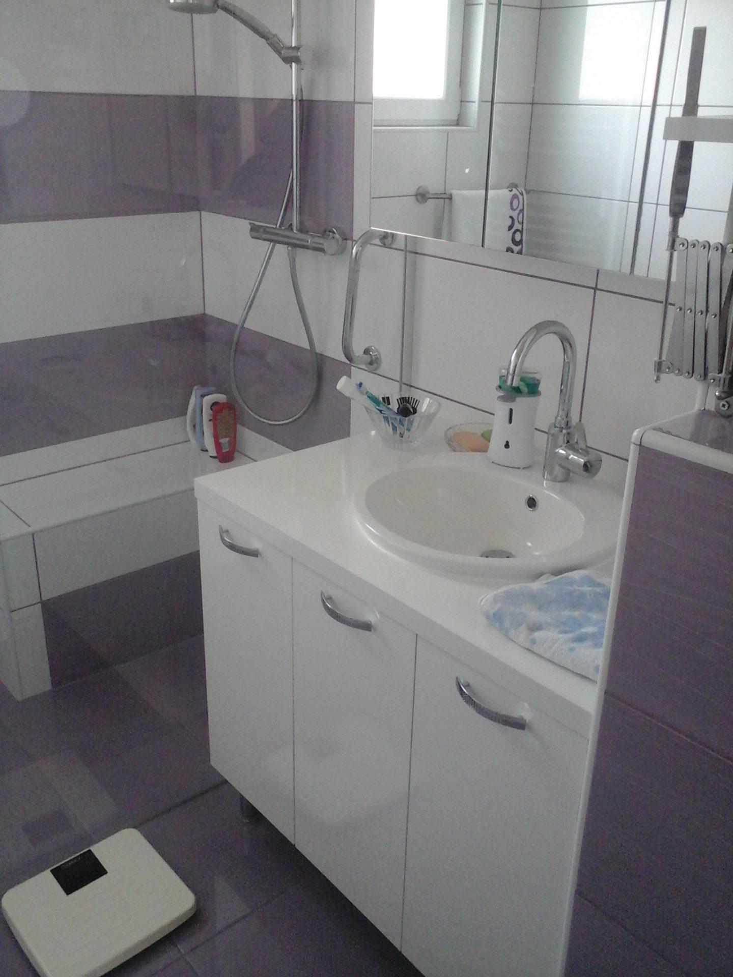 Polaganje ploščic v kopalnici 26