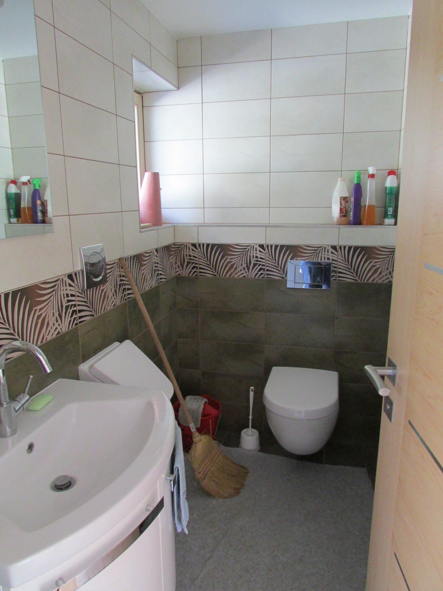 Polaganje ploščic v kopalnici 9
