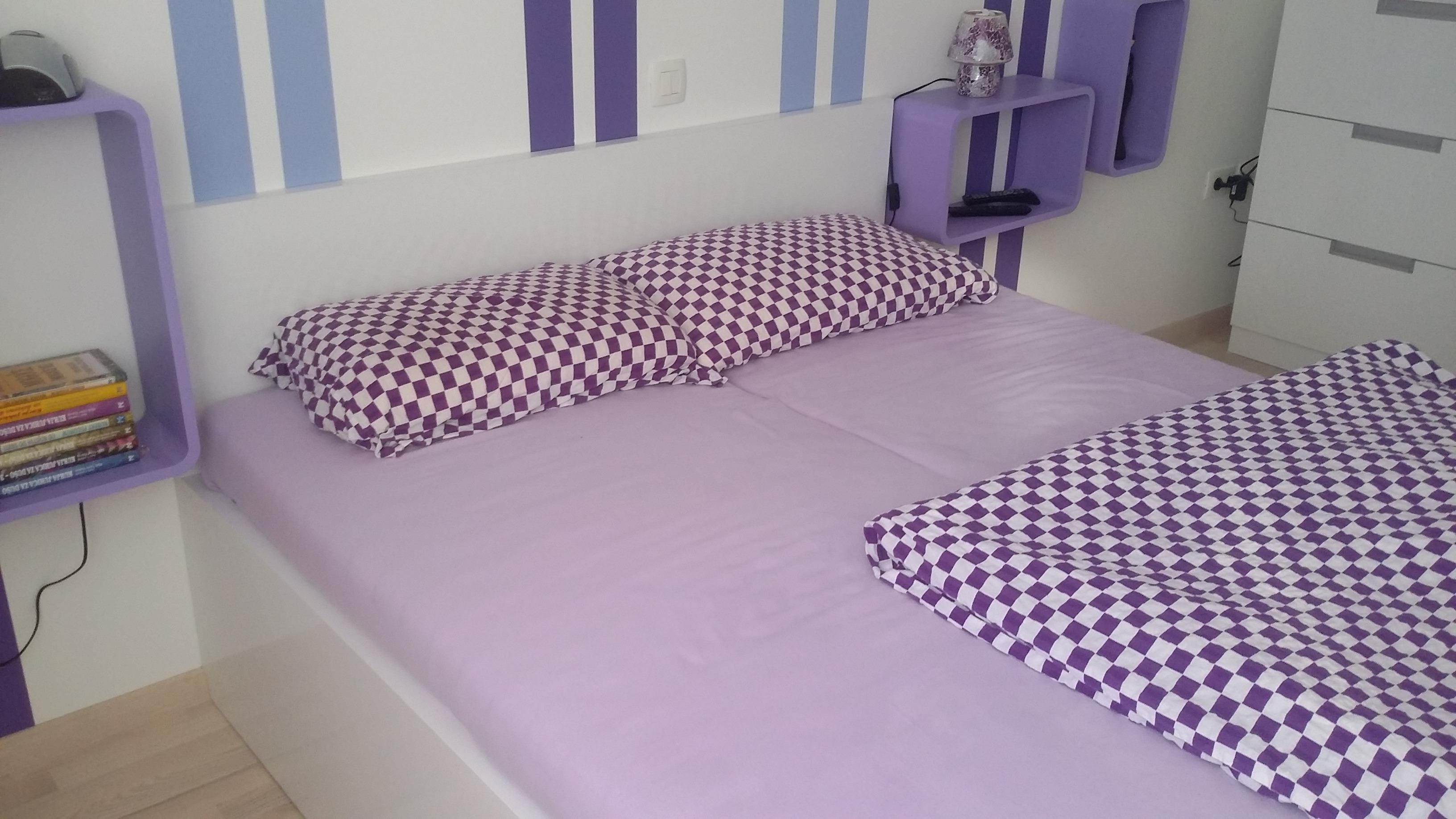 V zavetju spalnice 2