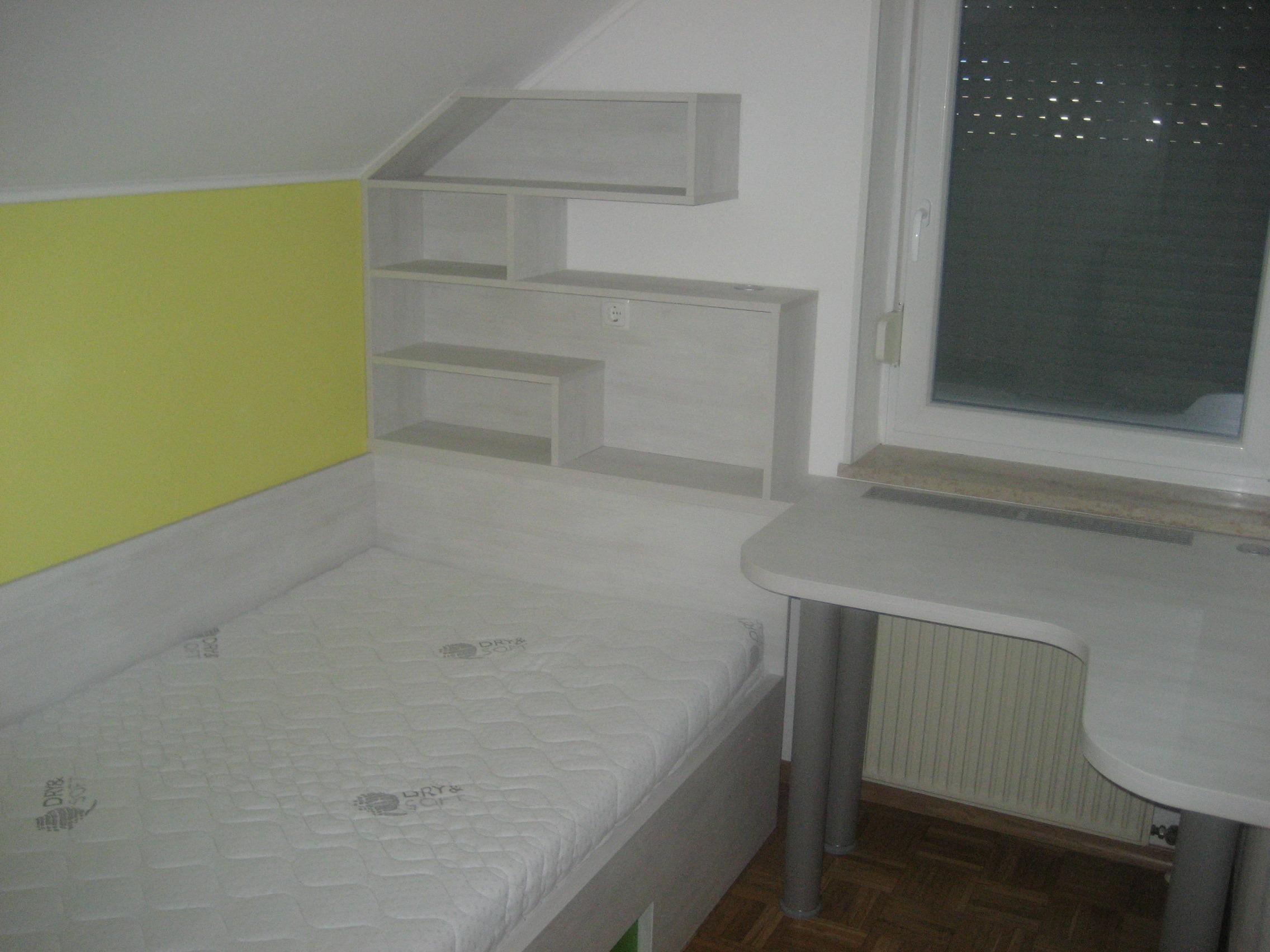 V zavetju spalnice 6