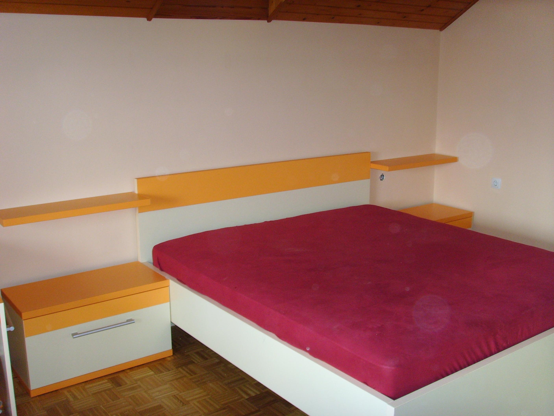 V zavetju spalnice 8