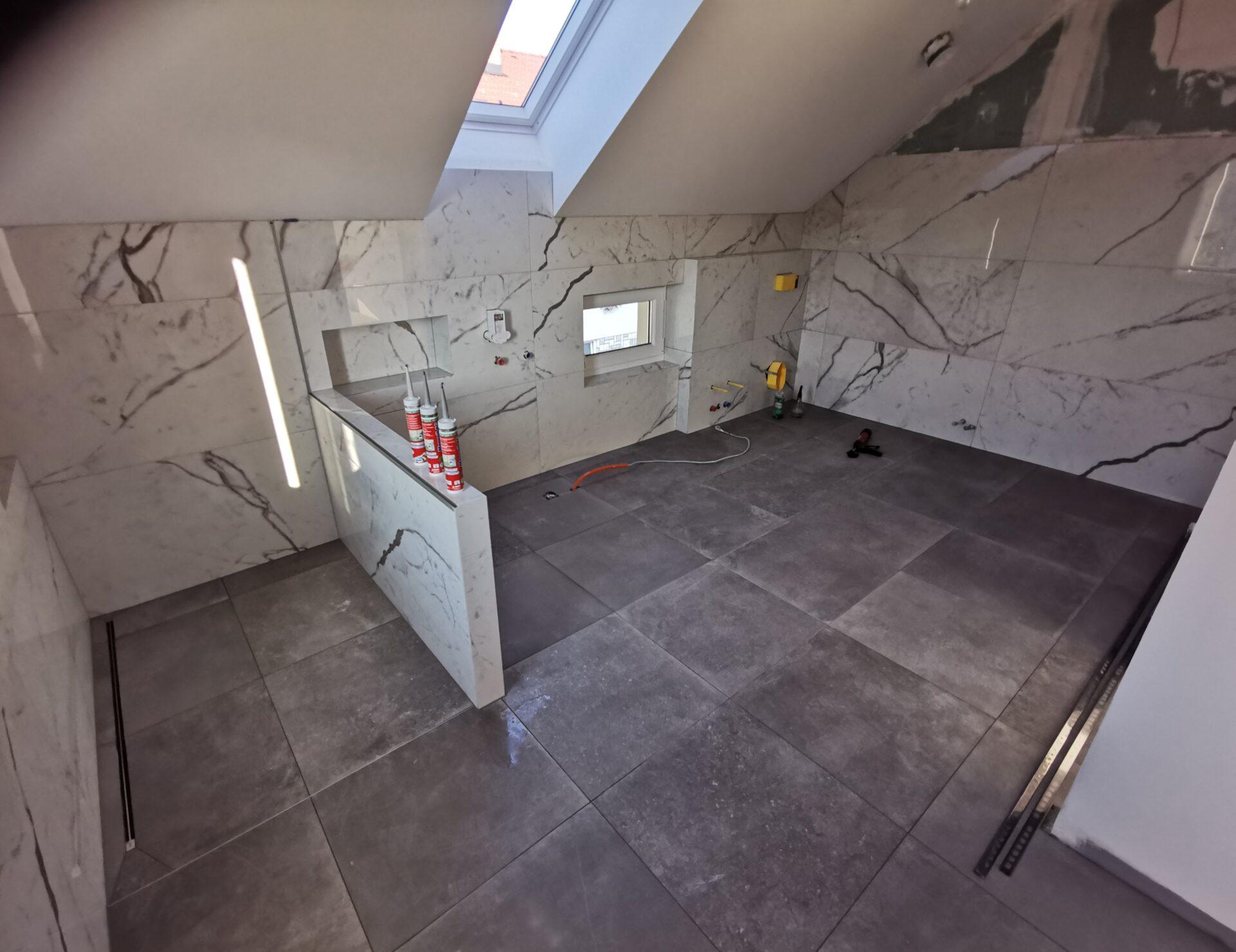 Polaganje keramike v kopalnici na stene in tla 22